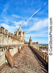 Cathedral of Nossa Senhora da Assuncao. Evora, Portugal. -...