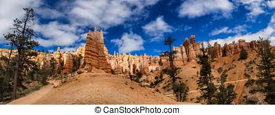 Bryce Canyon hoodoos Navajo Trail, Utah USA