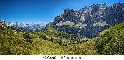 Gardena Pass, Landscape - Panoramic view from Dantercepies...