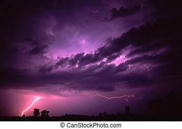 Lightning in northern Illinois - Lightning strikes the...