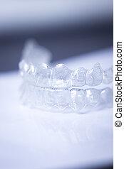 Invisible teeth aligners - Invisible teeth aligner cosmetic...