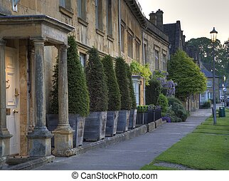 Chipping Campden - The Cotswold town of Chipping Campden,...