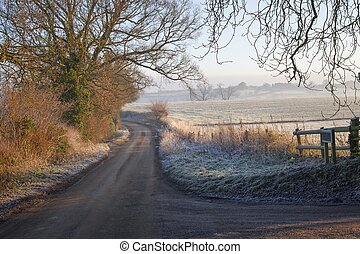 Cotswold landscape in winter - Pretty Cotswold lane in...