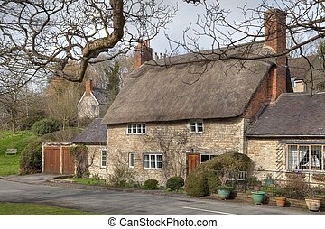 Warwickshire village - Pretty stone cottage at the small...