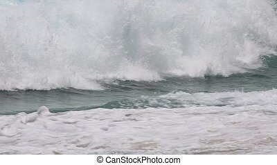hawaii dangerous waves - waves in Makapu'u Beach,southeast...