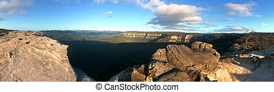 Landscape of Lincoln Rock Lookout at sunset of the Grose...