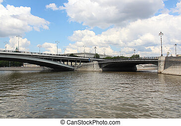 Large Ustyinsky bridge and the bridge on Kotelnicheskaya...