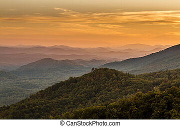 Fall in Great Smoky Mountains National Park - Mountain...