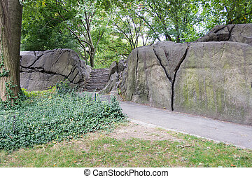 Umpire Rock at Central Park, New York - Typical Umpire Rock...