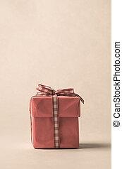 Retro Style Gift Box with Gingham Ribbon Bow - Eye level...