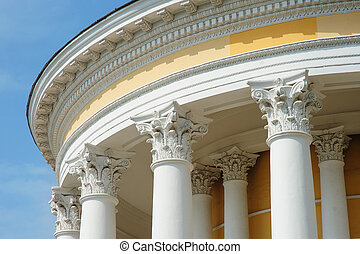 White columns on the facade of architectural buildings