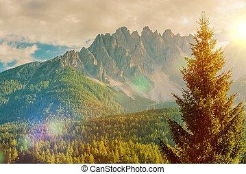 Italian Dolomites Vista - Scenic Italian Dolomites Mountain...