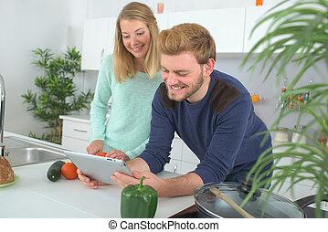 恋人, 料理, 一緒に, 肖像画, 台所, 幸せ
