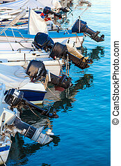 Outboard engines on fishing boats - Modern Outboard engines...