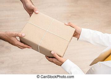 Hände, frau, Annahme, Mann, Paket