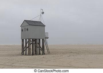 Famous sea cottage Het Drenkelingenhuisje Terschelling on...