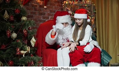Santa Claus shows magic for girls - Santa Claus shows...