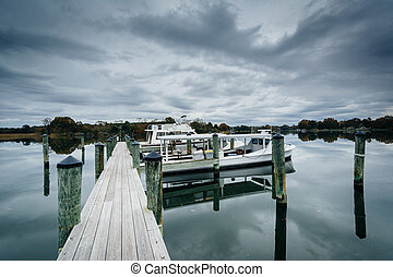 Docks at Oak Creek Landing, in Newcomb, near St. Michaels,...