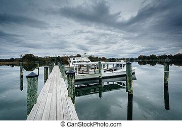 Docks at Oak Creek Landing, in Newcomb, near St. Michaels,...