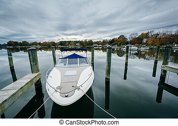 Docks and boats at Oak Creek Landing, in Newcomb, near St....