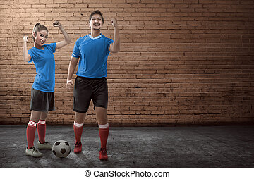 pareja, futbol, calle, joven, juego
