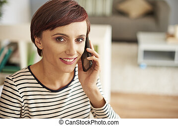 Portrait of woman with mobilephone