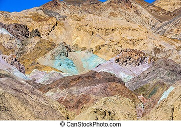 artists palette at artists drive in Death valley - Artists...