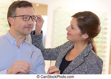 fitting an eyewear