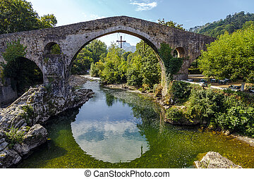Roman stone bridge in Cangas de Onis - Old Roman stone...