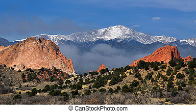 Garden of the Gods park in Colorado Springs, CO. Pikes peak...