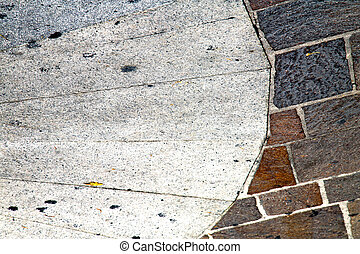 busto arsizio pavement of a curch and m - busto arsizio...
