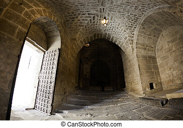 Citadel entrance door Aleppo - Entrance door of the famous...