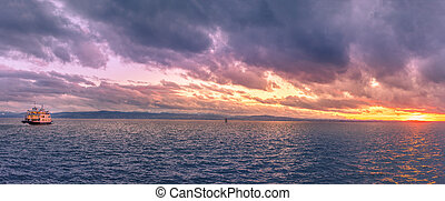 Bodensee lake panorama at sunset - Colorful panorama with...