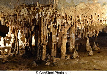 Luray Caverns in Virginia - Luray Caverns in Luray, Virginia