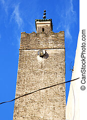 the history maroc - in maroc africa minaret and the blue sky...