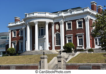 The Faxon-Thomas Mansion in Chattanooga, Tennessee - The...