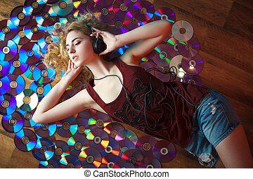 美しい, 女, ヘッドホン, 若い, 音楽, 持ちなさい, 楽しみ, 聞きなさい