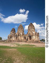 Phra Prang Sam Yot temple, architecture in Lopburi, Thailand...