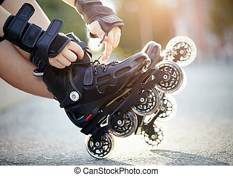 Setting of laces on roller skates - Setting of laces on...