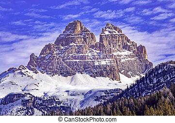 Tre cime di Lavaredo in winter - Tre Cime di Lavaredo view...