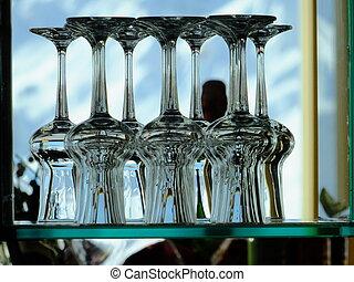 glasses - stapled glases for red wine