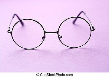 Round frame glasses with lenses - Round frame glasses with...