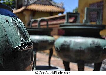 Broze Urns - Bronze Urns in Hue Citadel