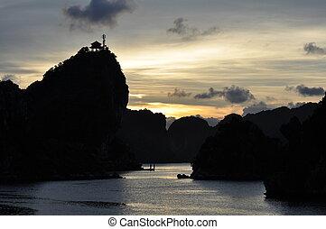 Halong Bay - Fantastic view of the Halong Bay