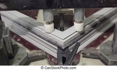aluminium window frame press machine works