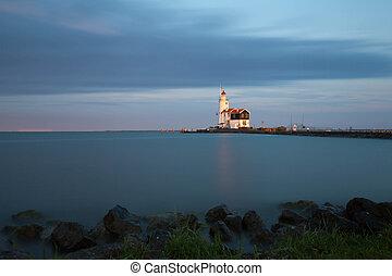 Lighthouse in Marken, NL - Lighthouse Paard van Marken on...
