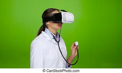 Nurse passes practice with the help of virtual reality...