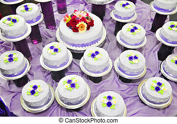 Debutantes Cake - Individual cakes for debutante with flower...