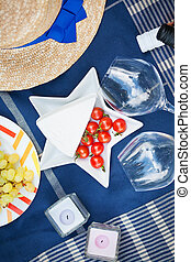 serving a summer picnic in the French style
