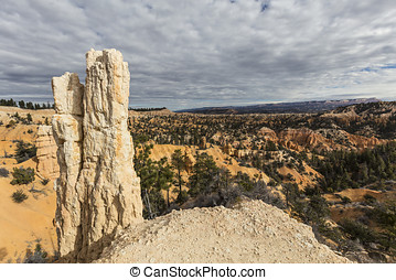 Bryce Canyon National Park Hoodoo View - Hoodoo view at...